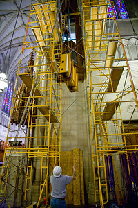 044 Duke Chapel - Aeolian Installation 4-3-08