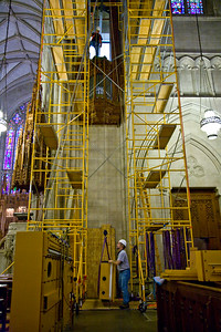 033 Duke Chapel - Aeolian Installation 4-3-08