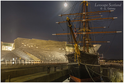 RRS Discovery and Victoria & Albert Museum