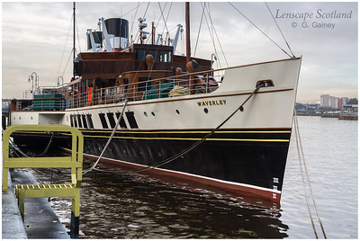 Paddle Steamer Waverley moored near Glasgow Science Centre (2)