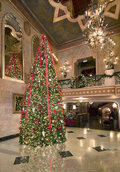 """""""Alabama Theatre Christmas""""<br /> Honorable Mention - Digital Projection<br /> Ken Boyd"""