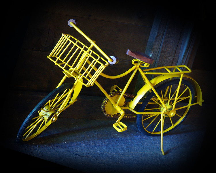 """""""Yellow Bike""""<br /> Honorable Mention - Digital Projection<br /> George Ritchey"""