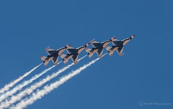 Thunderbirds - 4 in formation