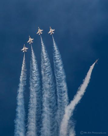 Thunderbirds - skyward