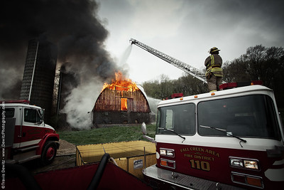 fall_creek_barn_fire_ladder_truck
