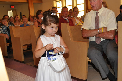 Scotts niece Riley, beautiful little flower girl