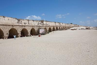 Roman aqueduct in Israel 02-8474