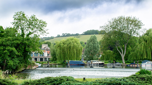 Streatley Hill, Streatley Bell Tower and The Swan at Streatley