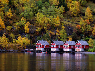Red Boat Houses