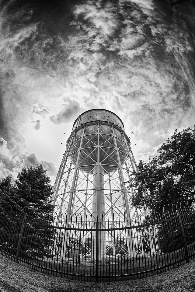 The Detroit Zoo water tower in a naked state.