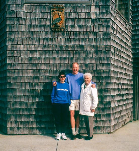 Pompous Pelican - Mercedes, Robert & Mom - OBX 1998