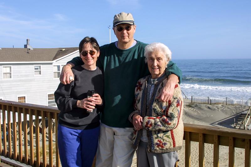 OBX - Mercedes, Robert & Mom - November 19, 2001