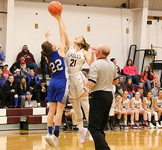 Sports_GSA_girls_bball_tipoff_121919_ML