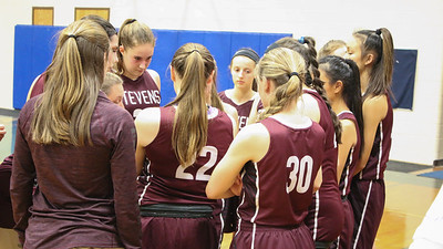 Sports_GSA_girls_ball_huddle_121219_AB