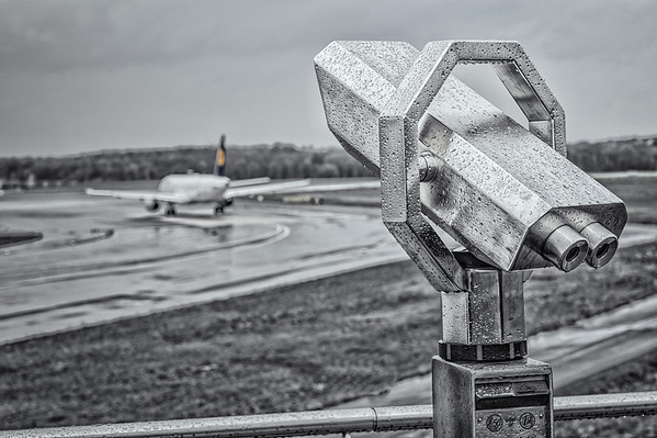 2012 Pic(k) of the week 15: Plane spotting paradise