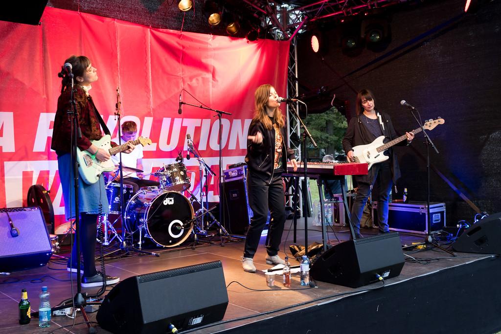 Volksstimmefest 2017 - Half Girl
