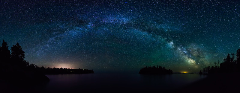 Milky Way over Split Rock Lighthouse and Ellingson Island 02