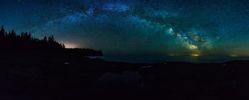Milky Way over Split Rock Lighthouse 01