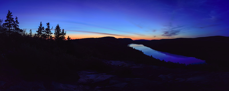 Blue hour panorama over Lake of the Clouds 01