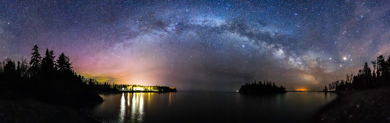 Milky Way over Split Rock Lighthouse and Ellingson Island 01