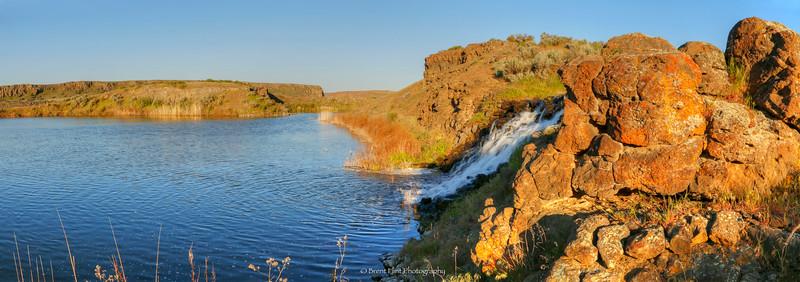 DF.3561 - cascade along Crab Creek, Columbia National Wildlife Refuge, WA.