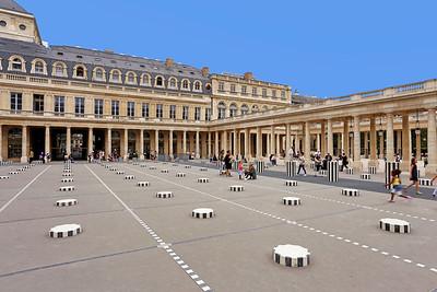 Courtyard of Jardin du Palais-Royal, Paris