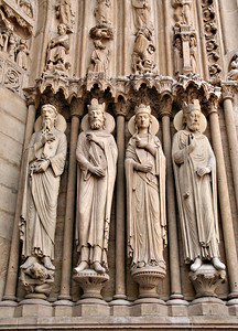 Sculptures at the entrance of Notre Dame