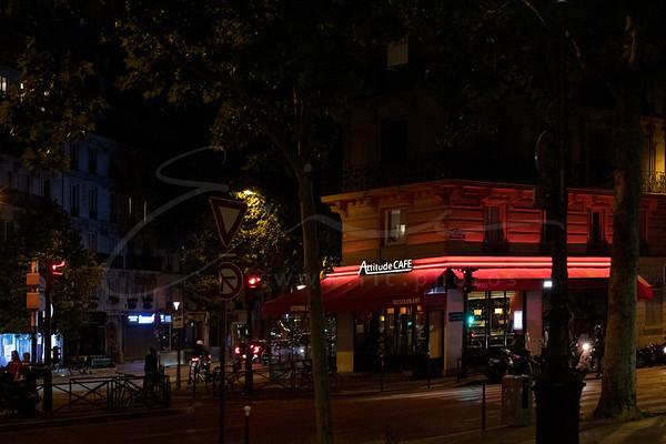 à minuit en ville   at midnight in town