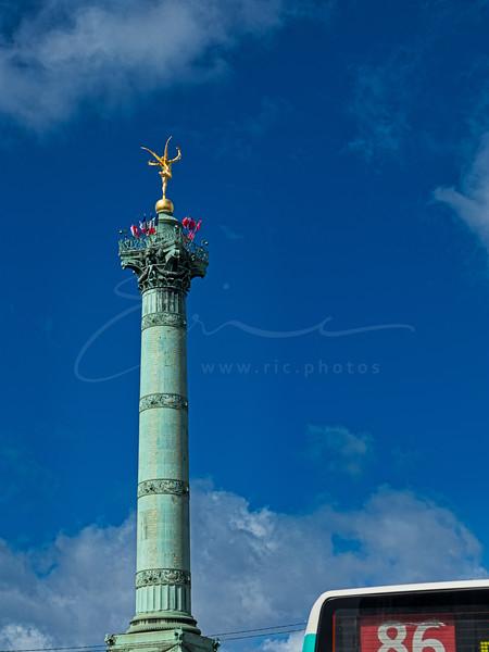 la colonne de la Bastille et le bus .:-)