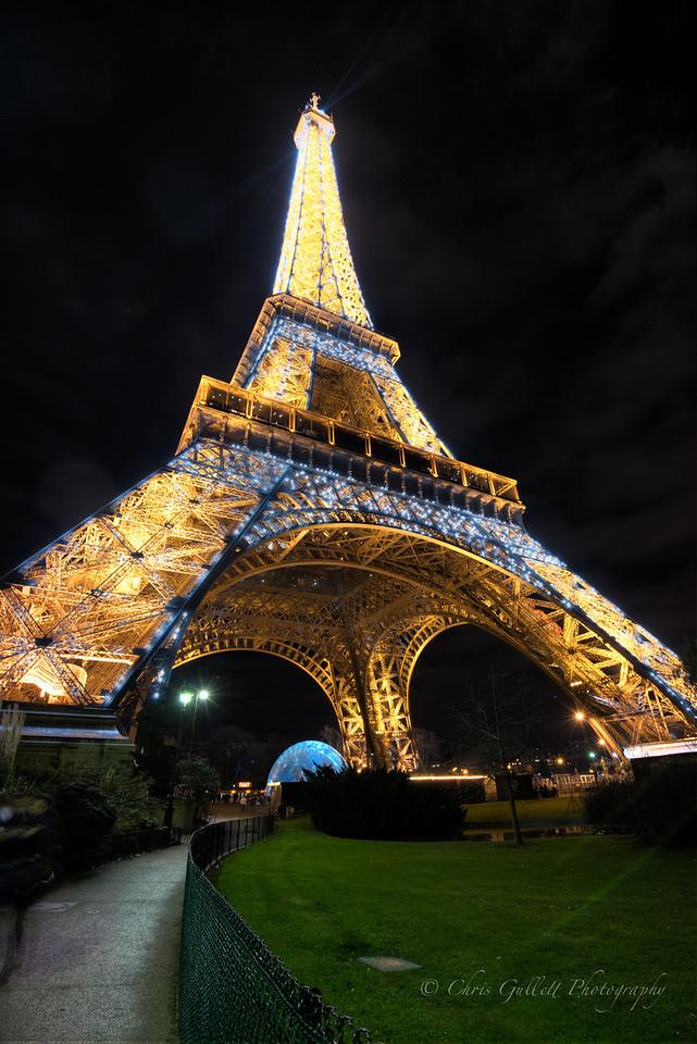 Eiffel Glittering