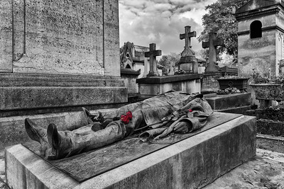 Grave & Roses