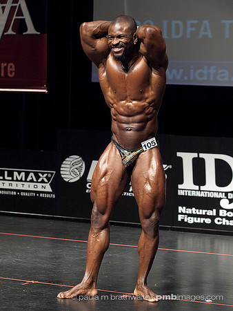 Michael Kwao (Toronto, ON) - 1st PLACE, Men's Pro Bodybuilding; *Pro BEST POSER*