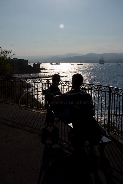 deux hommes sur le banc | two men on the bench