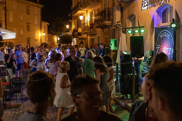 danser à la rue | dancing in the streets