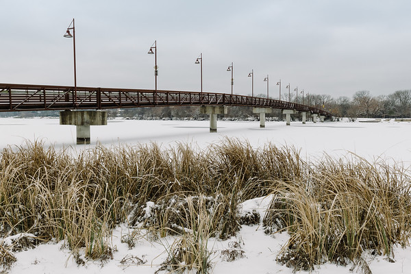 2021_02_17 Pedestrian Bridge over Frozen White Rock Lake Snow Storm-0469