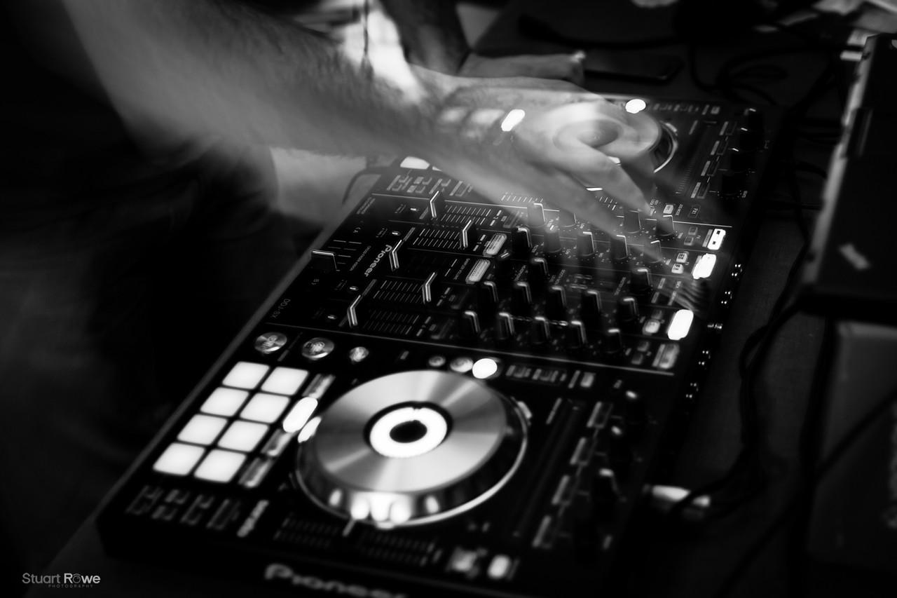 DJ Moodz
