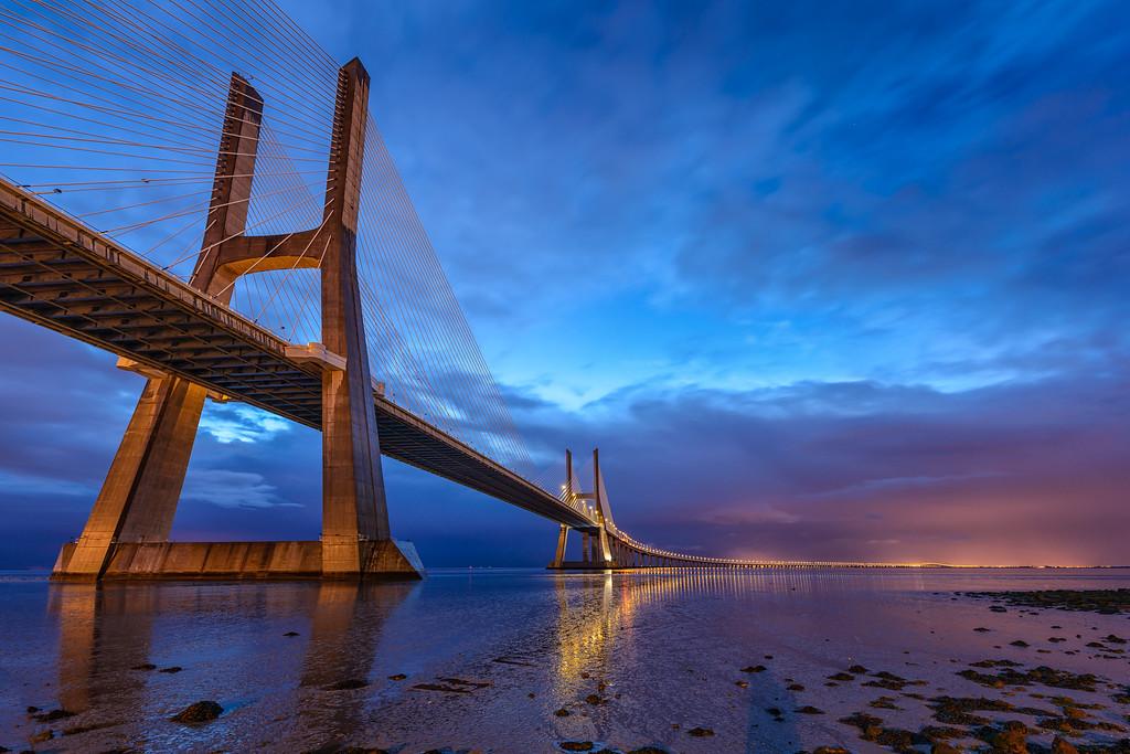 2013 Pic(k) of the week 14: Vasco da Gama bridge at the blue hour