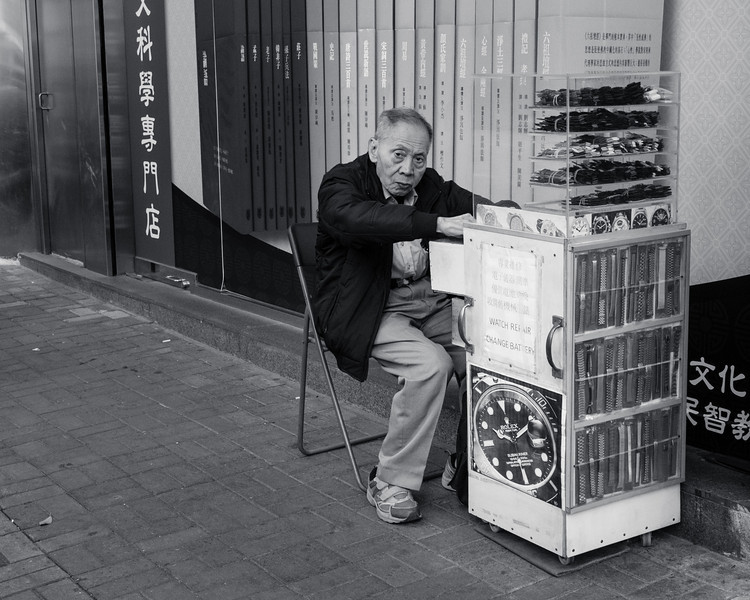 Hong Kong Street Photography with the Fuji X-E2 & 27mm lens
