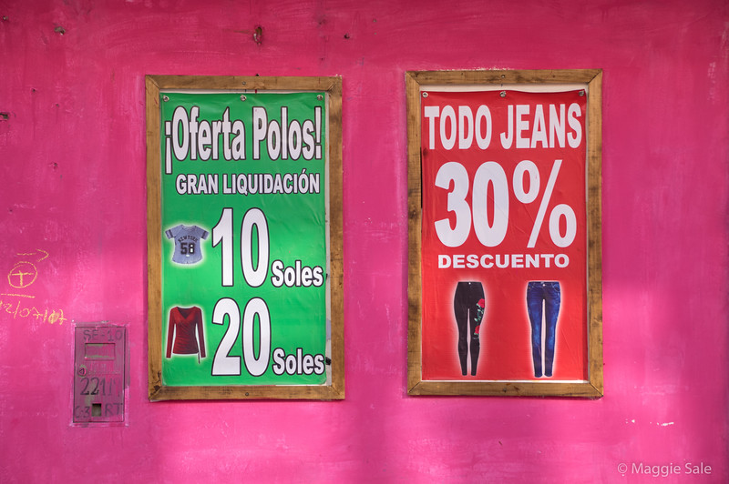 Store signs in Nazca