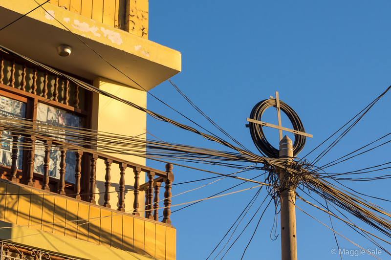 Crazy wires in Nazca!