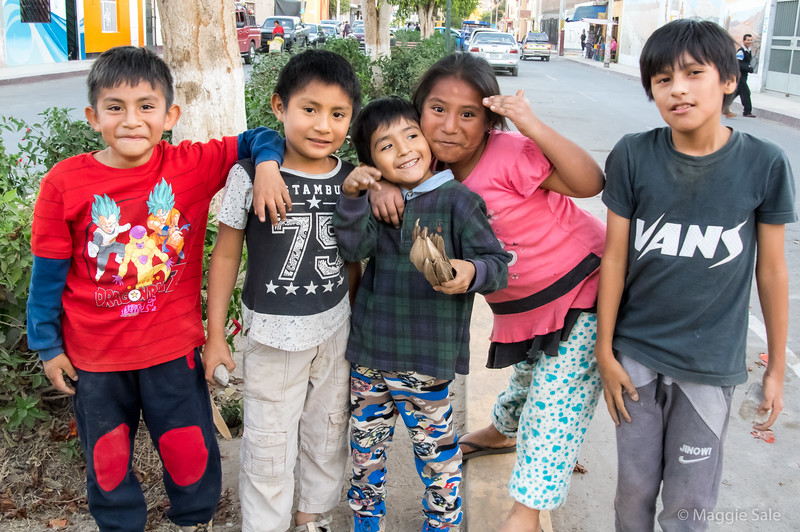 Street kids in Nazca