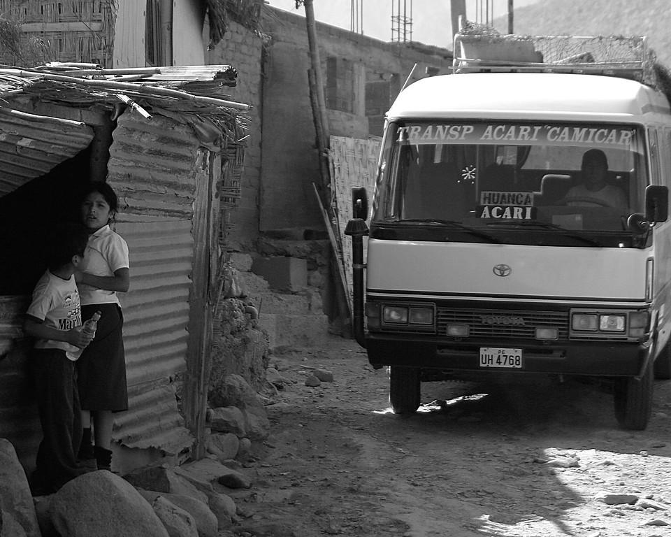 Huanca, Peru to Acari, Peru Bus