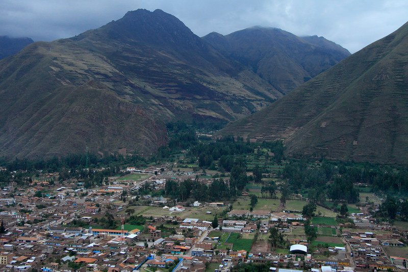 "Cerro Jahuayquilla and Quebrada Chicon - with the Urubamba town in the foreground, along the ""Valley of the Incas"" - Cusco department."