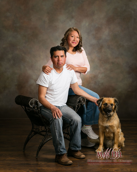 dog with couple Studio