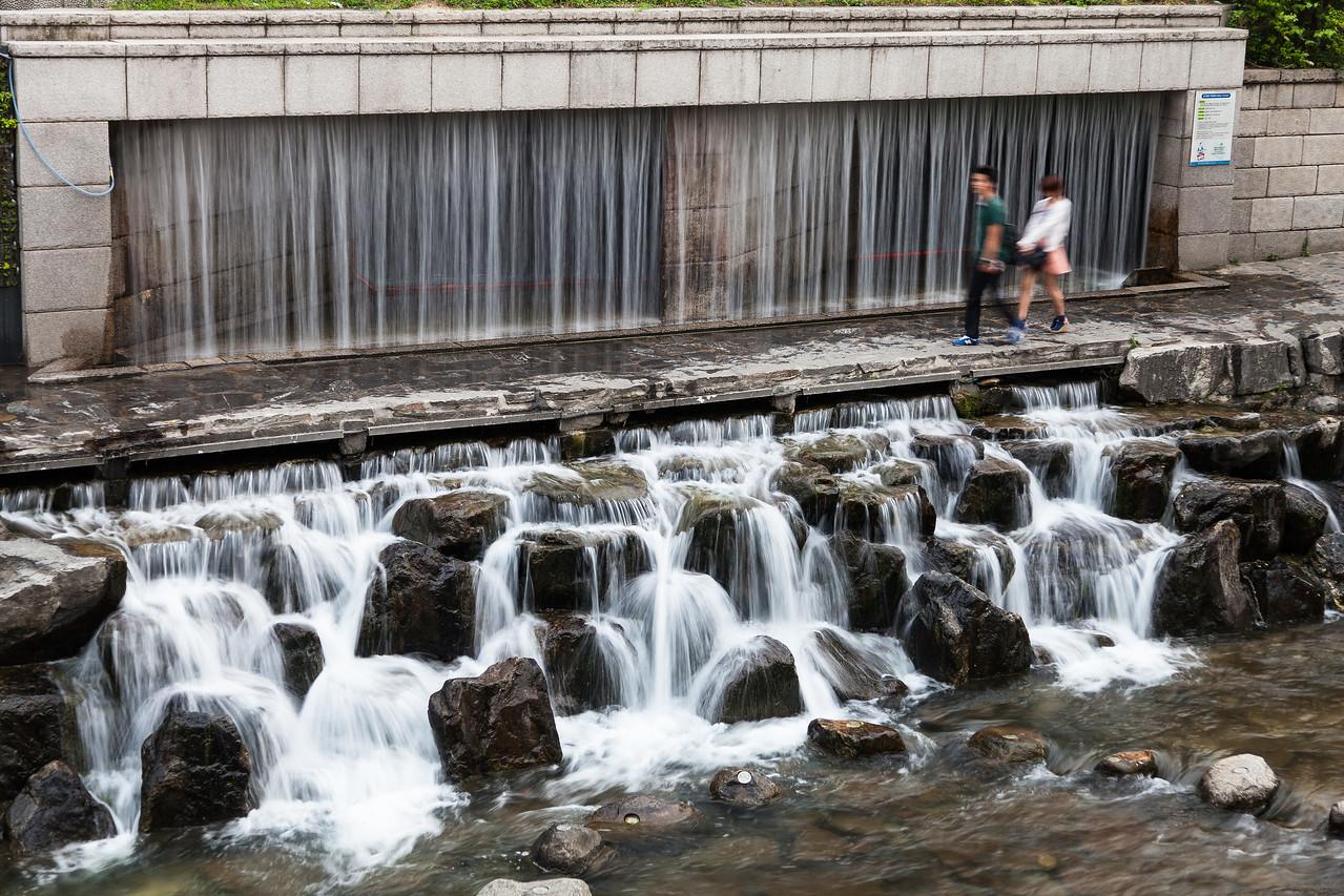 Strolling the Cheonggye