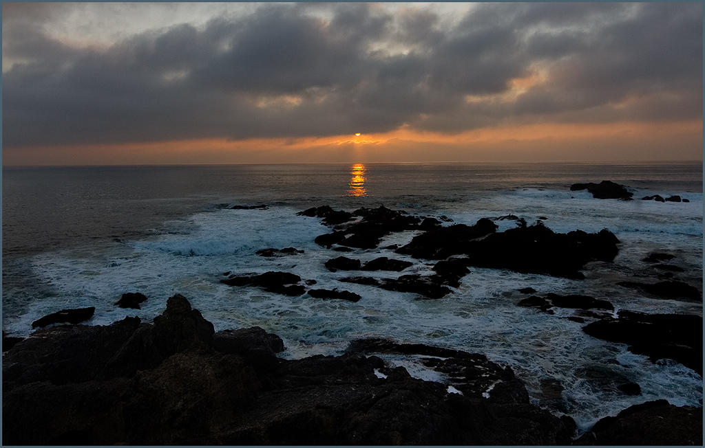 <center><i>Day's Finale, Pigeon Point, CA</i>, #4201/2-7D</center>