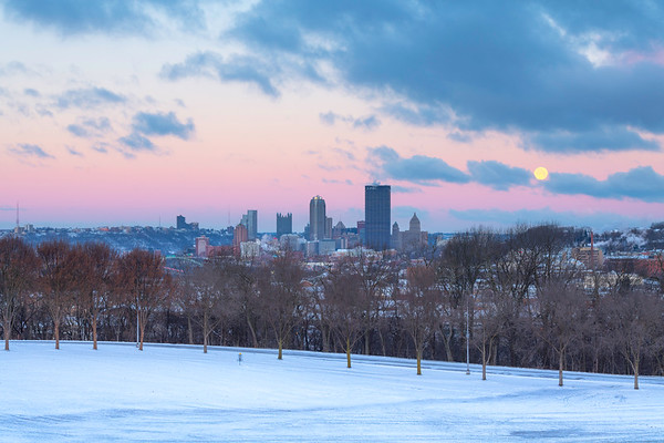 """Howl at the Moon"" - Pittsburgh, Schenley Park   Recommended Print sizes*:  4x6  