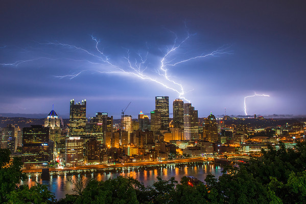 """Electric Tree"" - Pittsburgh, Mount Washington   Recommended Print sizes*:  4x6  