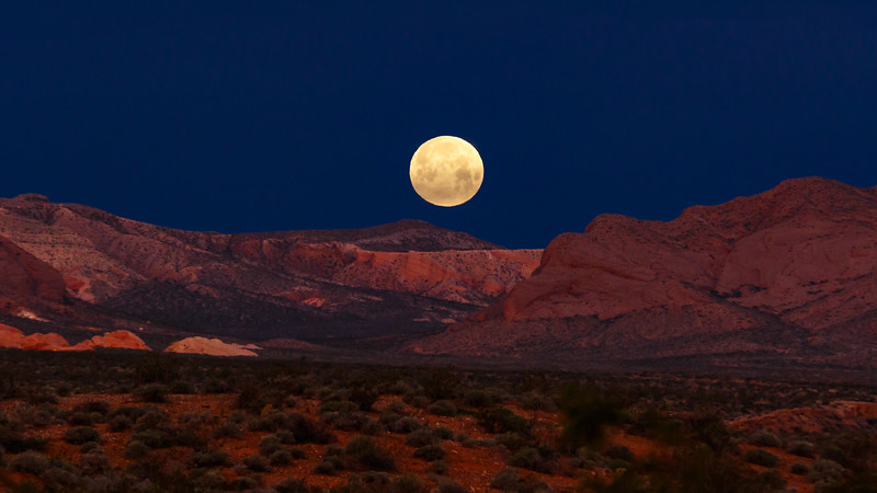 Valley of Fire Full Moon