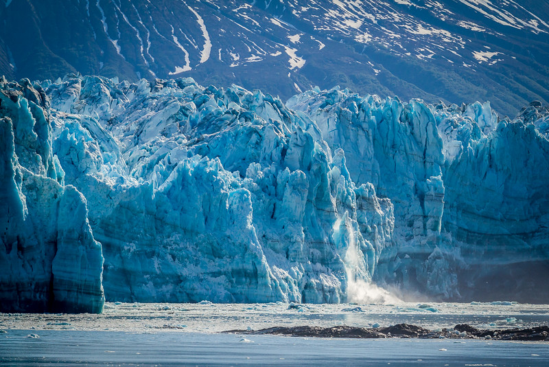 Starting of another calve at Hubbard Glacier.
